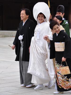 Tokyo_MeijiJinju-bride_0323-small