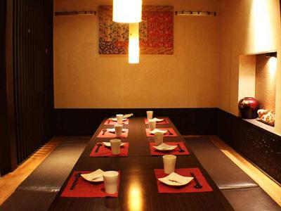 Tokyo_restaurant-room-small