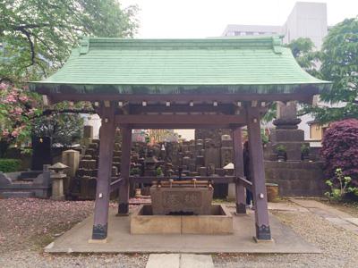 Tokyo_shrine_3068-small