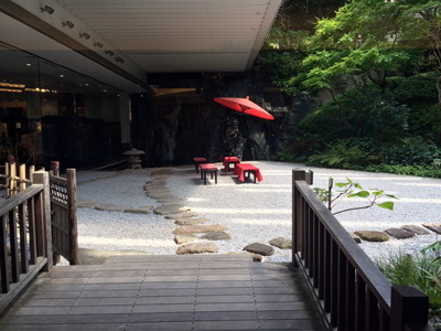 Tokyo_building-garden_3030-small